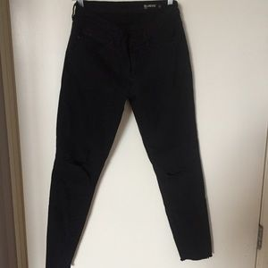 BLANK NYC Crazy Train Distressed Crop Skinny Jean